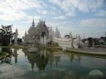 white-temple-in-chiang-rai-chiang-khong